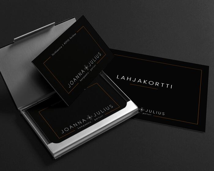 Joanna & Julius kampaamo-parturi logo yritysilme käyntikortit lahjakortit